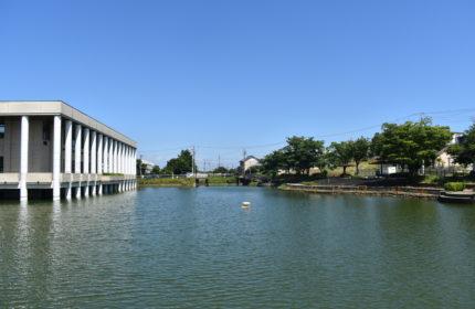 武豊町図書館 (2)