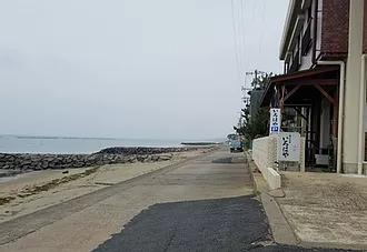 海岸線の旅館の街並み